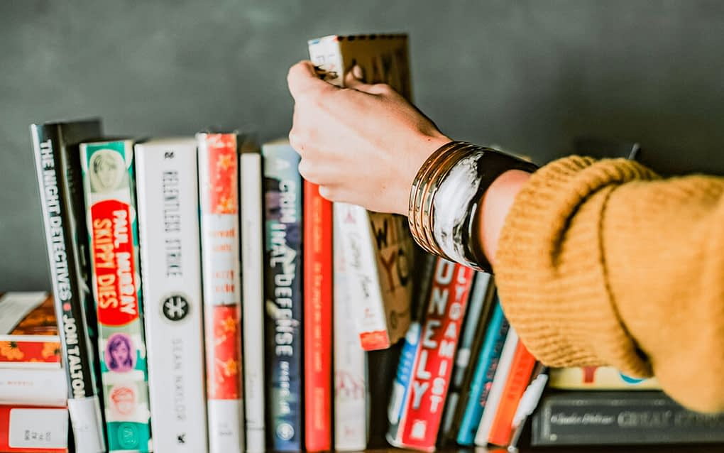 5 best books to read, bookholics.lk